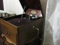 Продавам стар грамофон с фуния